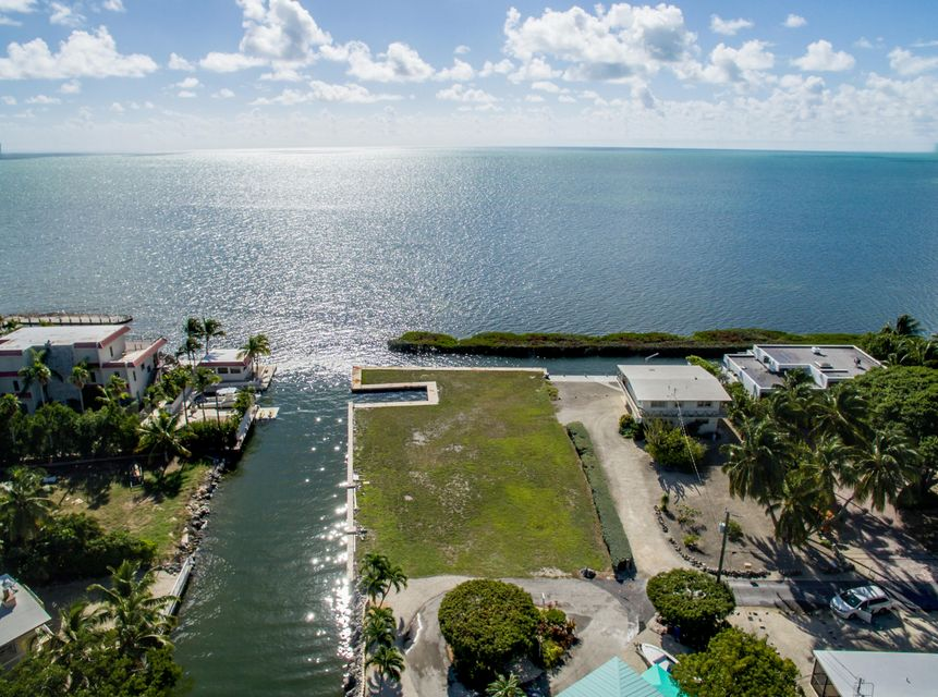 Galleon Road, Plantation Key, FL 33036
