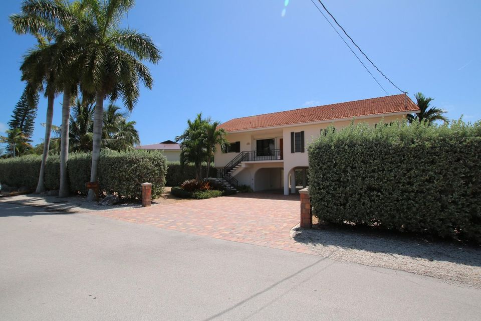 Additional photo for property listing at 495 Avenida Primiceria 495 Avenida Primiceria Marathon, Florida 33050 Usa