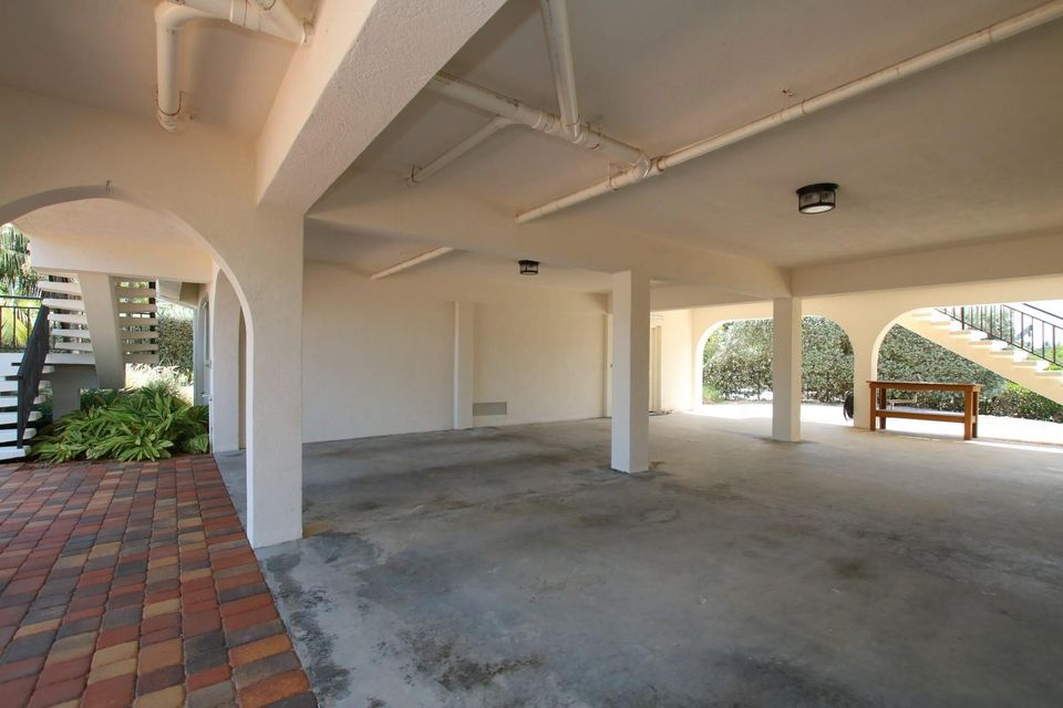 Additional photo for property listing at 495 Avenida Primiceria 495 Avenida Primiceria Marathon, Florida 33050 Estados Unidos