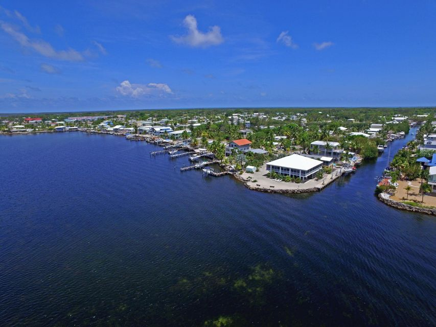 Additional photo for property listing at 795 Narragansett Lane 795 Narragansett Lane Key Largo, Florida 33037 Estados Unidos