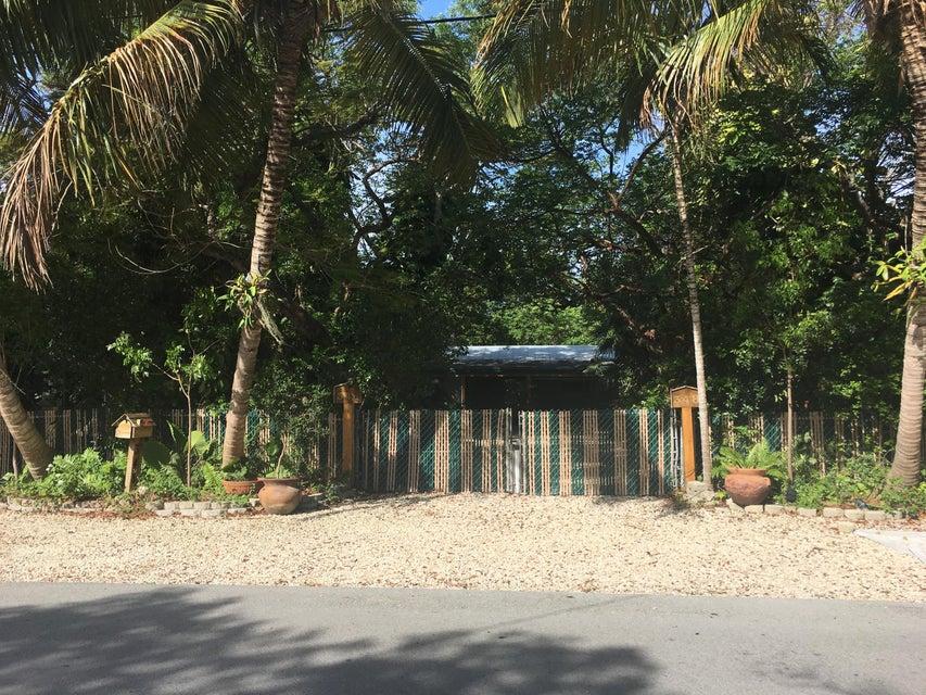 348 Guava Avenue, Grassy Key, FL 33050