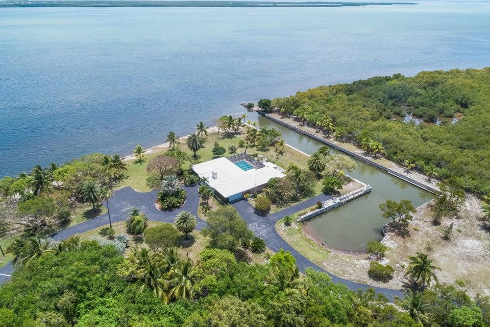 Nhà ở một gia đình vì Bán tại 30680 Winifred Street Big Pine Key, Florida 33043 Hoa Kỳ