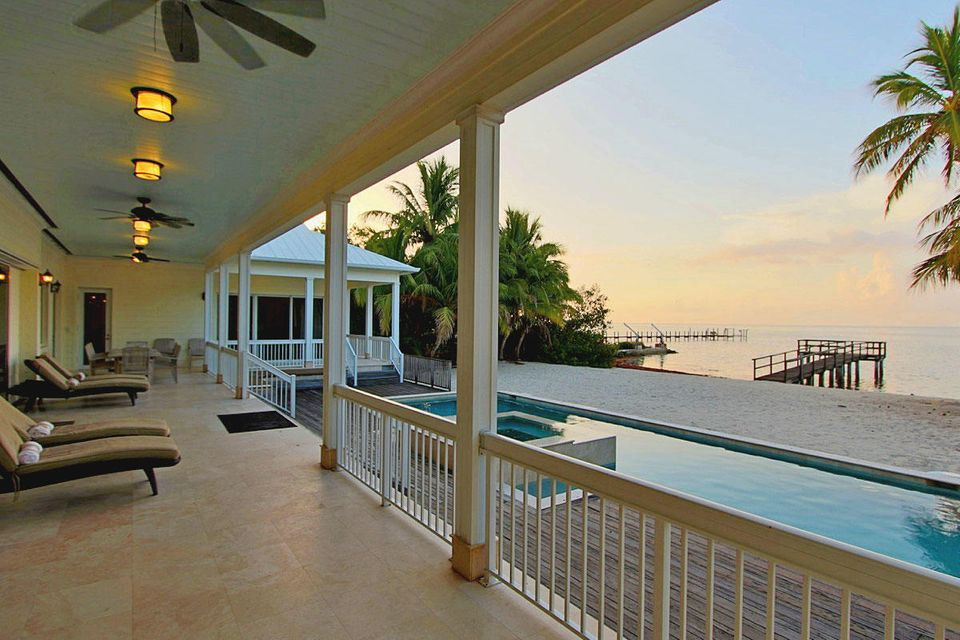 Single Family Home for Sale at 75971 Overseas Highway 75971 Overseas Highway Islamorada, Florida 33036 United States
