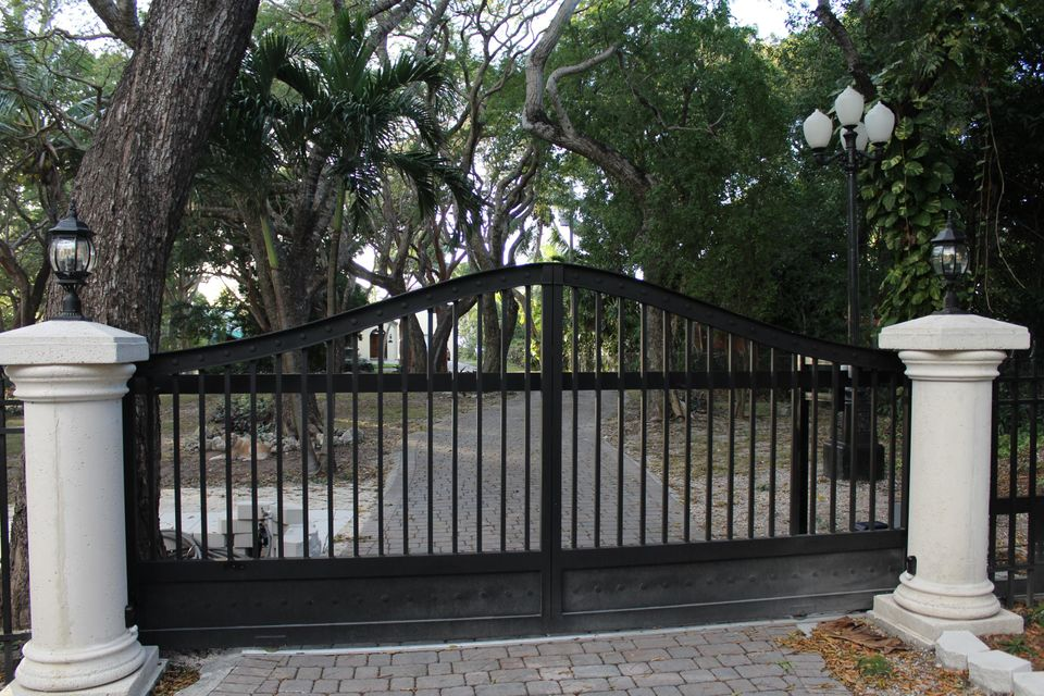 Additional photo for property listing at 110 E Shore Drive 110 E Shore Drive Key Largo, Florida 33037 Verenigde Staten