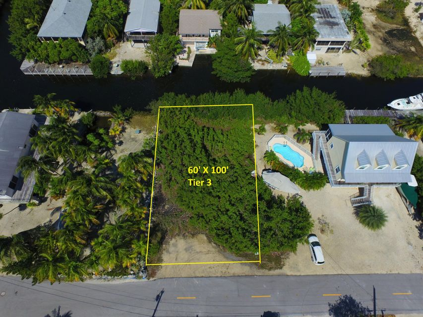 Terreno por un Venta en Lot 18 St Vincent Lane Lot 18 St Vincent Lane Ramrod Key, Florida 33042 Estados Unidos