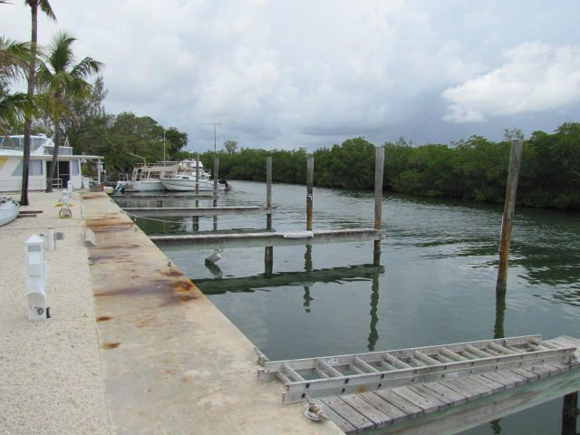 Additional photo for property listing at 599 Morris Avenue 599 Morris Avenue Key Largo, Florida 33037 Verenigde Staten