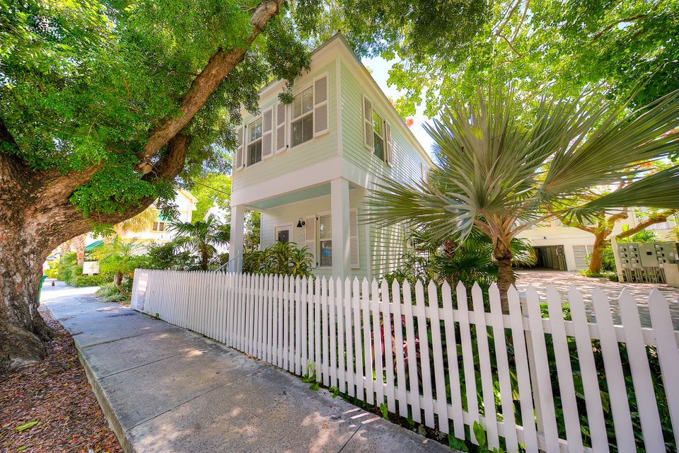 Additional photo for property listing at 1015 Simonton Street  Key West, Florida 33040 Estados Unidos