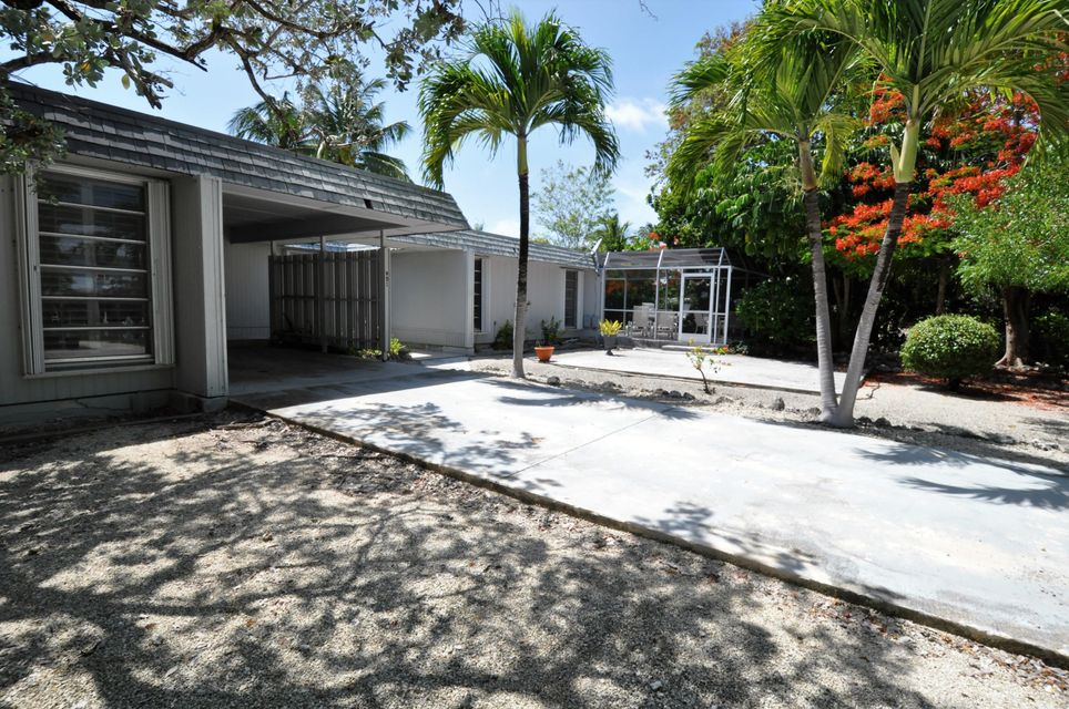 Additional photo for property listing at 951 51St Street Gulf Street Gulf 951 51St Street Gulf Street Gulf Marathon, 佛羅里達州 33050 美國