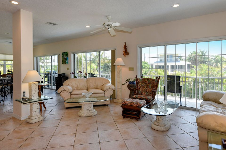 Additional photo for property listing at 620 Cruikshank 620 Cruikshank Summerland Key, Florida 33042 Stati Uniti