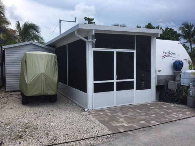 Additional photo for property listing at 325 Calusa Street 325 Calusa Street Key Largo, Florida 33037 Vereinigte Staaten