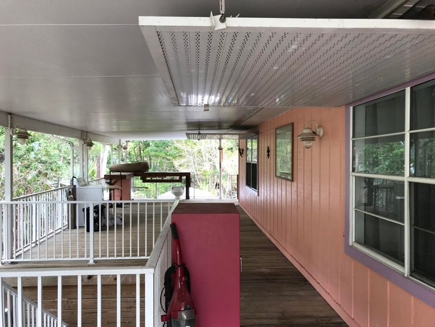 Additional photo for property listing at 2862 Koehns Avenue 2862 Koehns Avenue Big Pine Key, Florida 33043 Estados Unidos