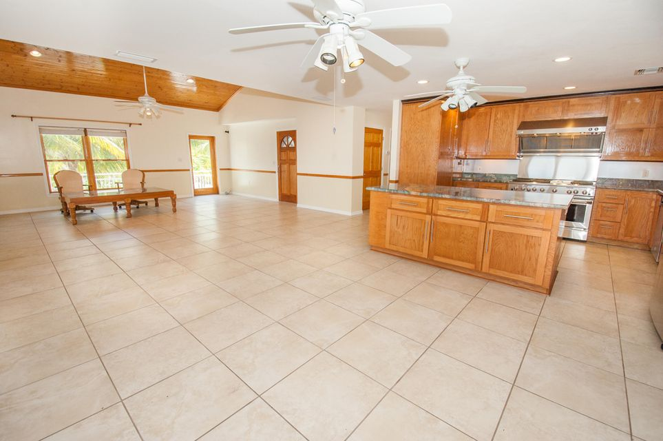 Additional photo for property listing at 27396 Dominica Lane 27396 Dominica Lane Ramrod Key, Florida 33042 Verenigde Staten