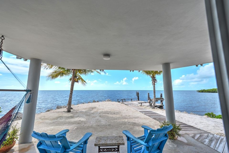 Additional photo for property listing at 10987 County Rd 905 10987 County Rd 905 Key Largo, Florida 33037 États-Unis