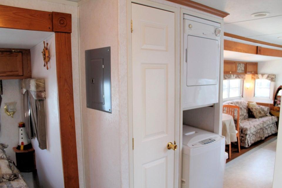 Additional photo for property listing at 999 Morris Avenue 999 Morris Avenue Key Largo, Florida 33037 Stati Uniti