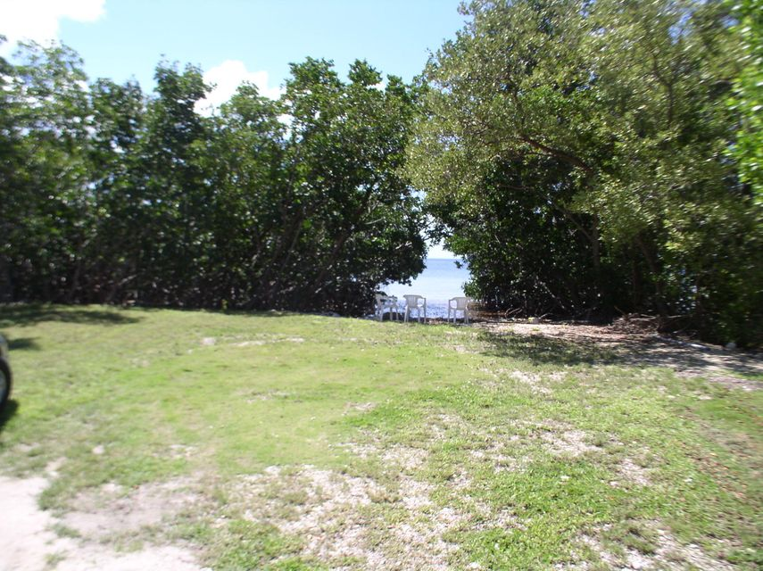 Additional photo for property listing at 8 East 2nd Street 8 East 2nd Street Key Largo, Florida 33037 United States