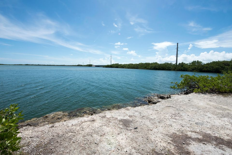 Terreno por un Venta en Vacant Land Sugarloaf Key Highway Vacant Land Sugarloaf Key Highway Sugarloaf, Florida 33042 Estados Unidos