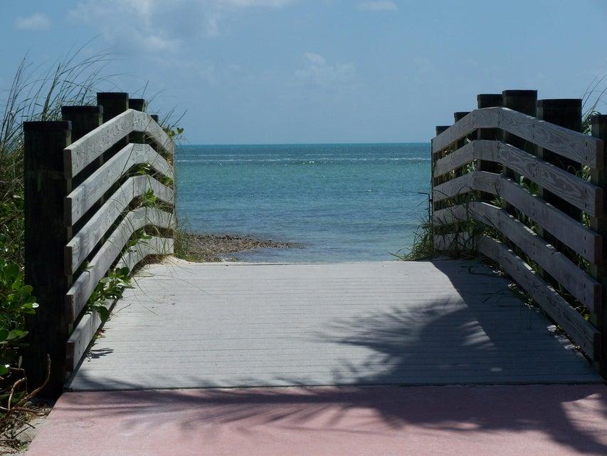 Additional photo for property listing at 506 Avenida Primiceria 506 Avenida Primiceria Marathon, Florida 33050 United States