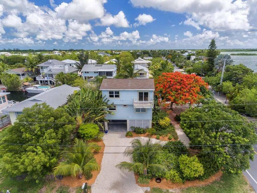 27459 Jamaica Lane, Ramrod Key, FL 33042