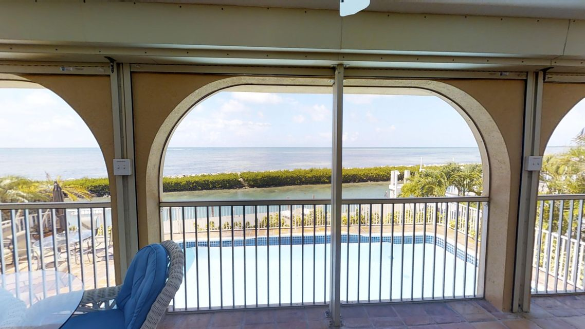Additional photo for property listing at 246 W Seaview Circle 246 W Seaview Circle Duck Key, 플로리다 33050 미국