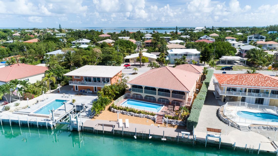Maison unifamiliale pour l Vente à 246 W Seaview Circle Duck Key, Florida 33050 États-Unis