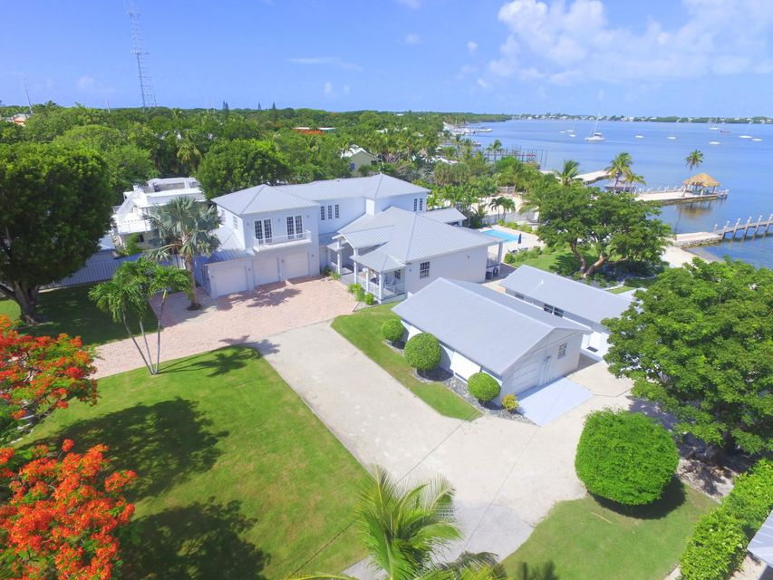 Additional photo for property listing at 128 & 130 Point Pleasant Drive 128 & 130 Point Pleasant Drive Key Largo, Florida 33037 Hoa Kỳ