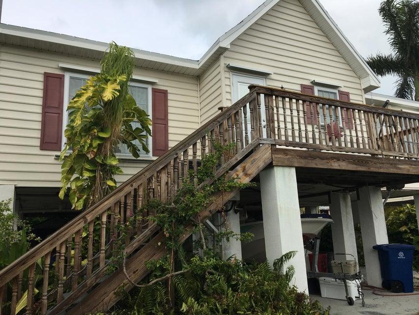 Maison unifamiliale pour l Vente à 853 Indies Road 853 Indies Road Ramrod Key, Florida 33042 États-Unis