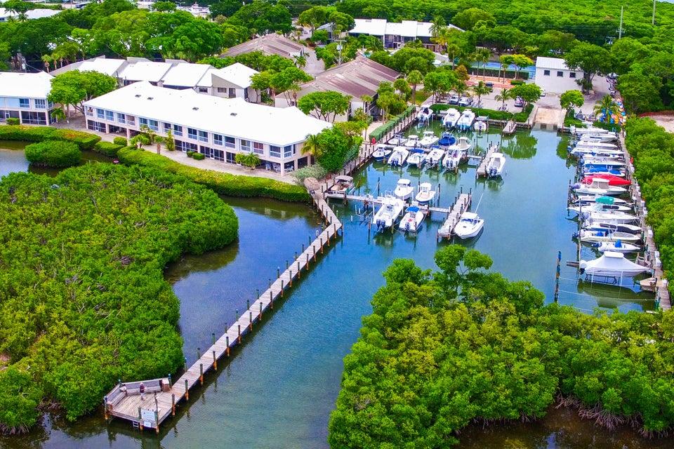 Nhà phố vì Bán tại 9824 Mariners Avenue 9824 Mariners Avenue Key Largo, Florida 33037 Hoa Kỳ