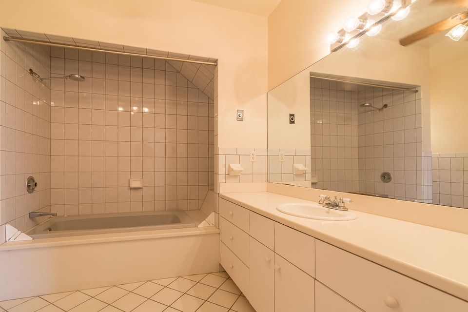 Additional photo for property listing at 718 Caroline Street 718 Caroline Street Key West, 佛罗里达州 33040 美国