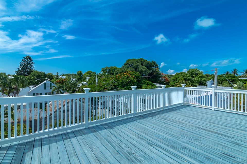 Additional photo for property listing at 718 Caroline Street 718 Caroline Street Key West, Florida 33040 États-Unis