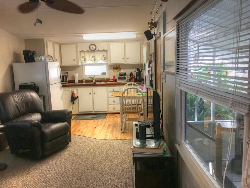 Additional photo for property listing at 81 Tarpon Basin Drive 81 Tarpon Basin Drive Key Largo, Florida 33037 Estados Unidos