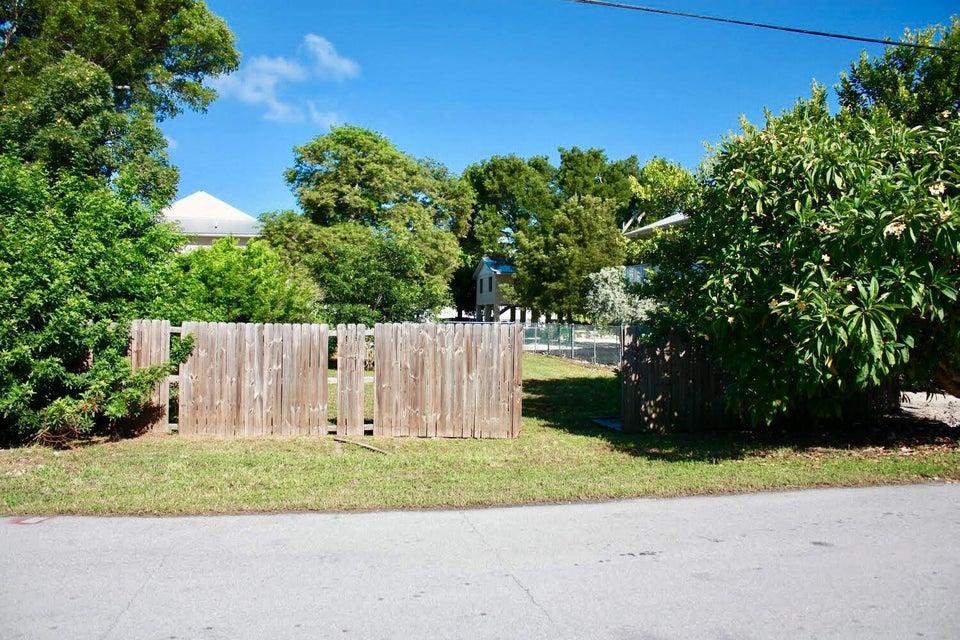 Đất đai vì Bán tại 258 Azalea Street 258 Azalea Street Tavernier, Florida 33070 Hoa Kỳ