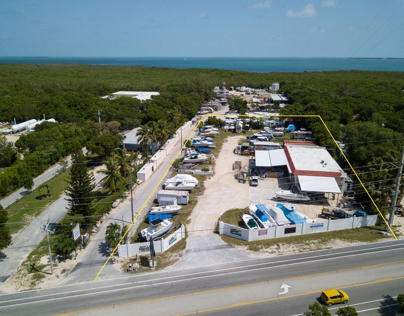 Commercial pour l Vente à 86500 Overseas Highway 86500 Overseas Highway Islamorada, Florida 33036 États-Unis