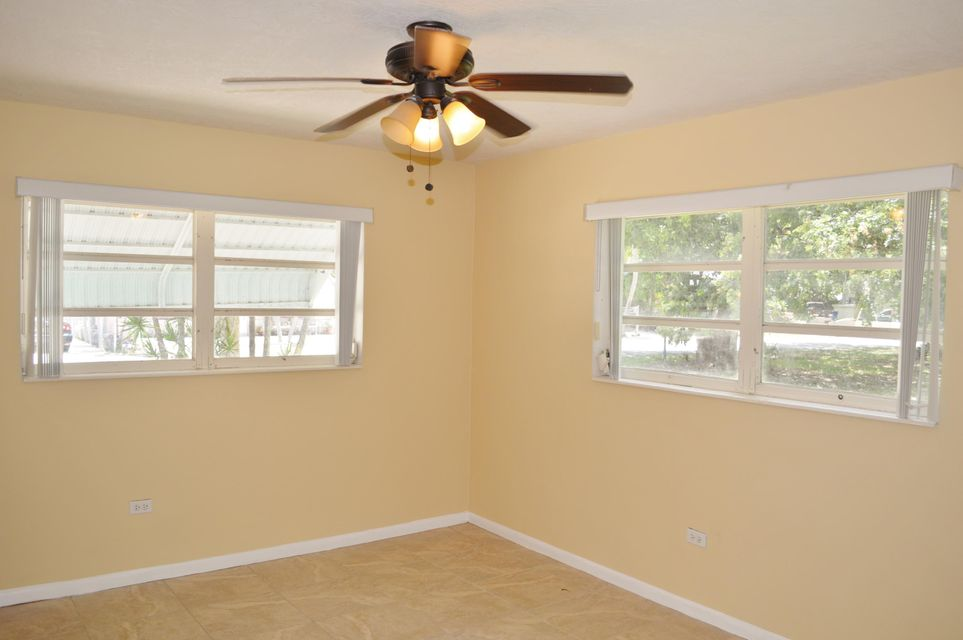 Additional photo for property listing at 411 Collins Street 411 Collins Street Key Largo, Florida 33037 Estados Unidos