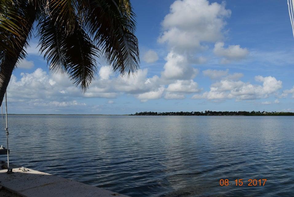 Nhà ở một gia đình vì Bán tại 24 Beach Drive Saddlebunch, Florida 33040 Hoa Kỳ