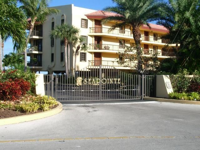 Additional photo for property listing at 101 East Ocean Drive 101 East Ocean Drive Key Colony, 佛羅里達州 33051 美國