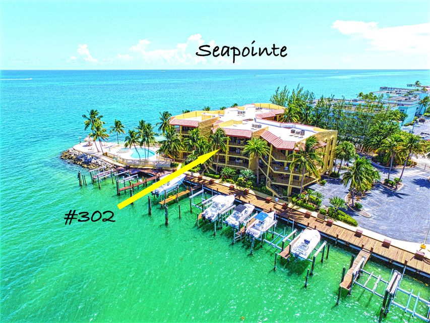 Additional photo for property listing at 101 East Ocean Drive 101 East Ocean Drive Key Colony, Florida 33051 États-Unis