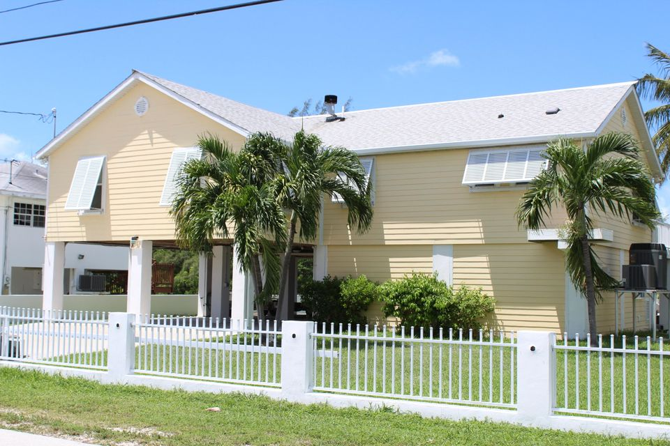 Single Family Home for Sale at 20 Emerald Drive 20 Emerald Drive Big Coppitt, Florida 33040 United States
