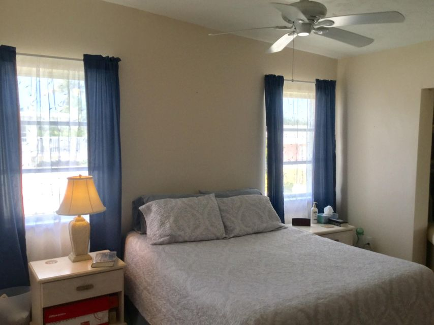 Additional photo for property listing at 281 3 rd Street 281 3 rd Street Key Colony, 佛羅里達州 33051 美國