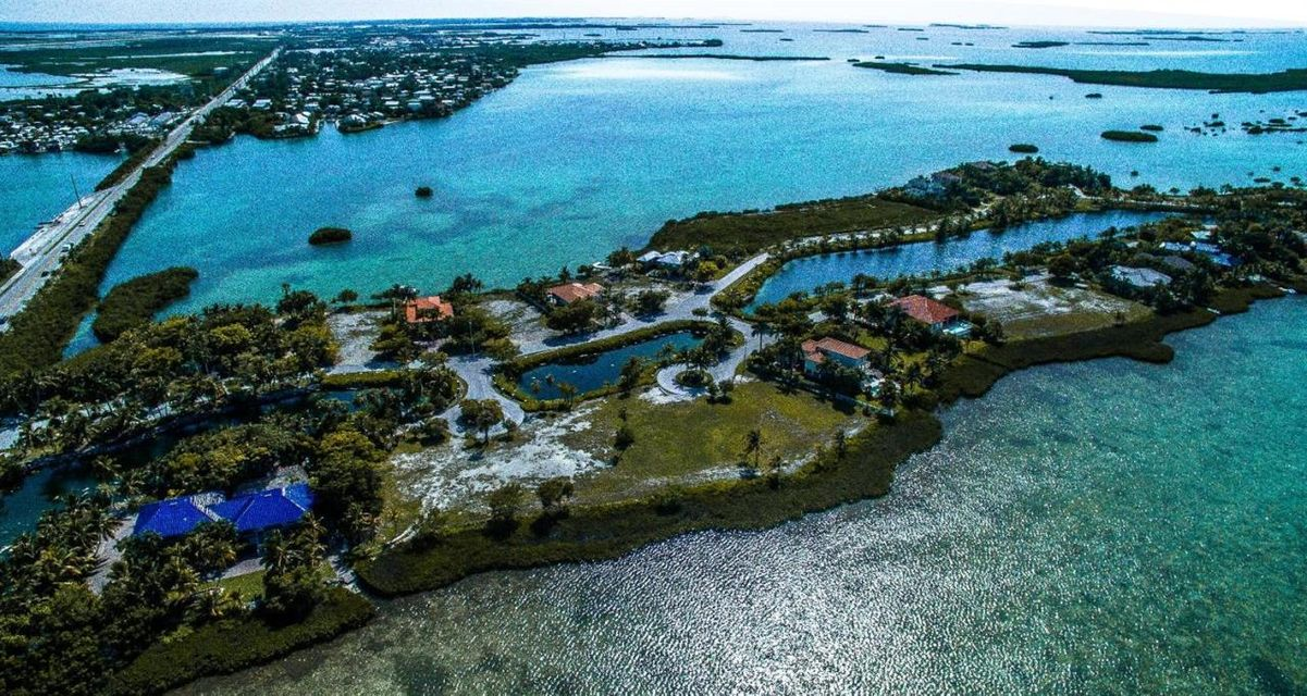 Additional photo for property listing at 2 Cannon Royal Drive 2 Cannon Royal Drive Shark Key, Florida 33040 Estados Unidos