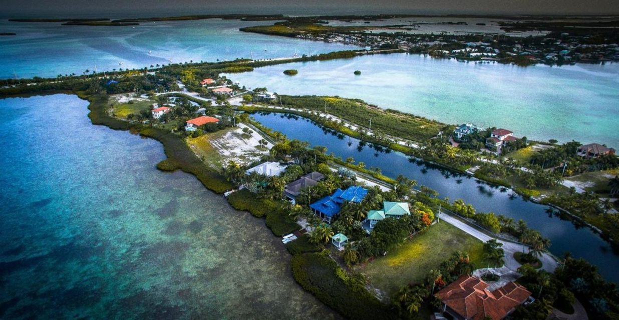 Additional photo for property listing at 17 Sea Lore Lane 17 Sea Lore Lane Shark Key, Флорида 33040 Соединенные Штаты