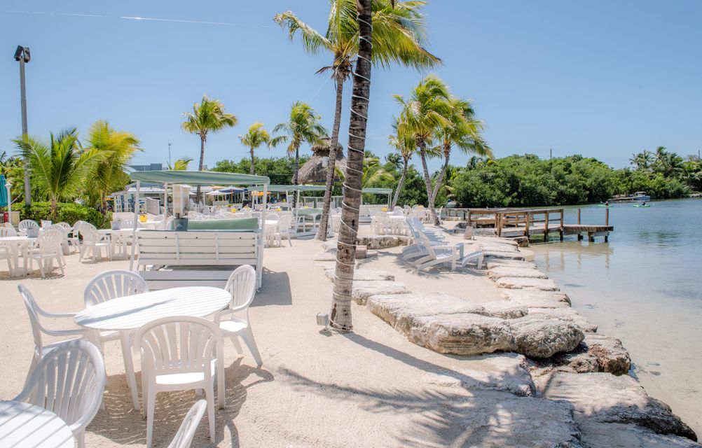 Additional photo for property listing at 96 Madeira Road 96 Madeira Road Islamorada, Florida 33036 Hoa Kỳ