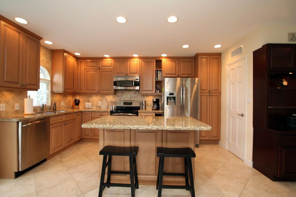 Additional photo for property listing at 105 Patricia Lane  Marathon, Florida 33050 Stati Uniti