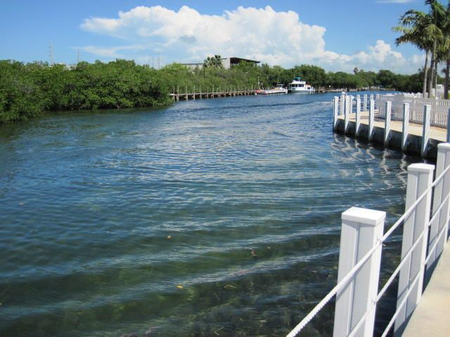 Additional photo for property listing at 5031 5Th Avenue 5031 5Th Avenue Stock Island, Florida 33040 Vereinigte Staaten