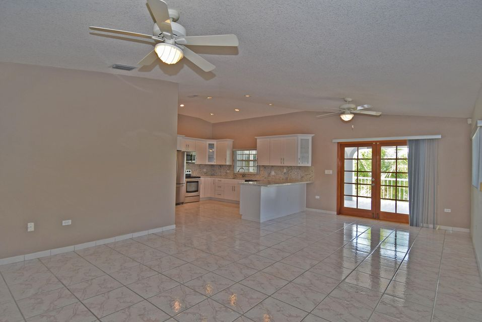 Additional photo for property listing at 11 Corrine Place 11 Corrine Place Key Largo, Florida 33037 Estados Unidos