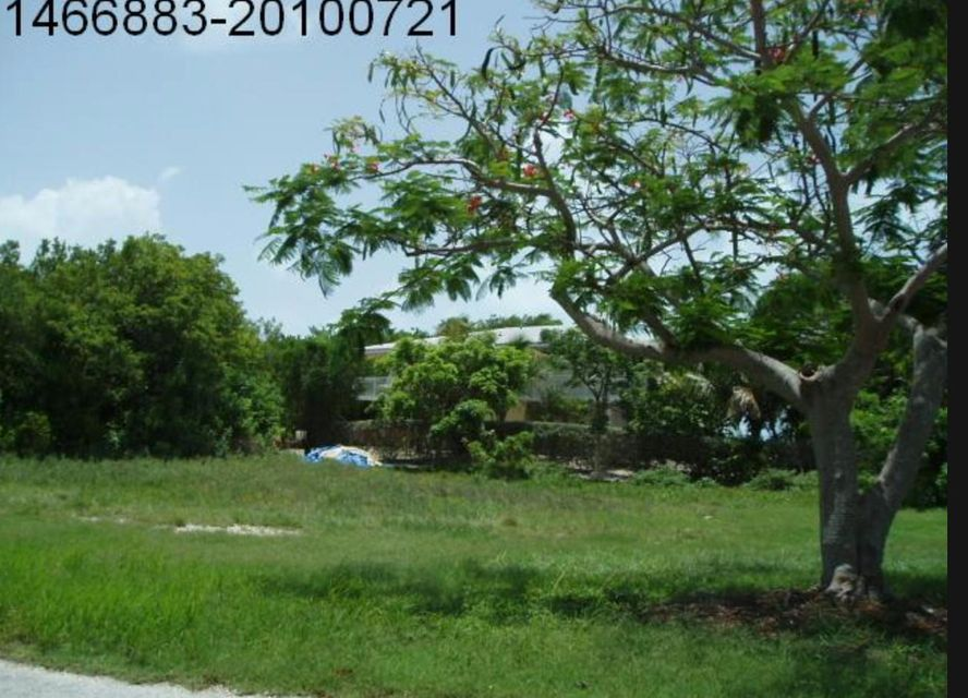 Additional photo for property listing at 233 W Seaview Drive 233 W Seaview Drive Duck Key, Florida 33050 Estados Unidos