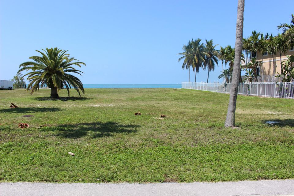 Additional photo for property listing at Coury Drive Coury Drive Key Colony, Florida 33051 Hoa Kỳ