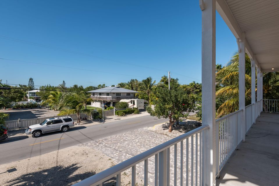 Additional photo for property listing at 827 E Caribbean Drive  Summerland Key, Florida 33042 Estados Unidos