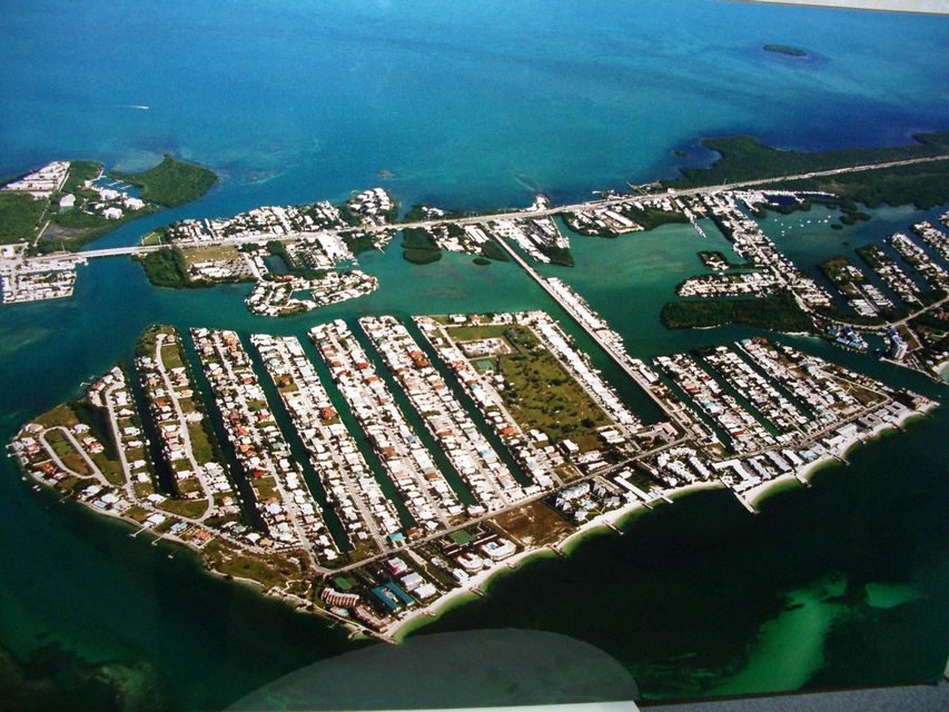 Additional photo for property listing at 1101 W Ocean Drive 1101 W Ocean Drive Key Colony, Florida 33051 United States