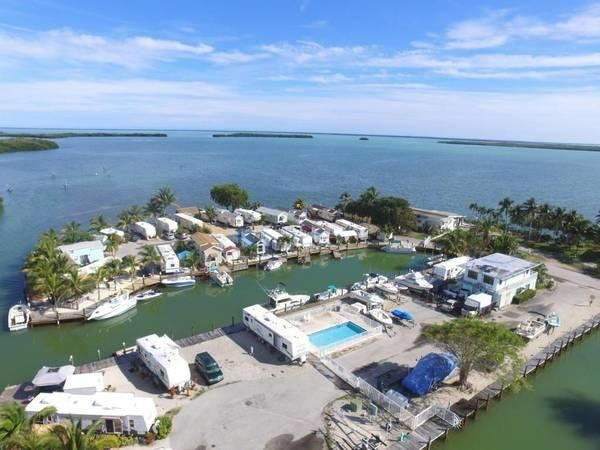 Additional photo for property listing at 999 Morris Avenue 999 Morris Avenue Key Largo, Florida 33037 Estados Unidos