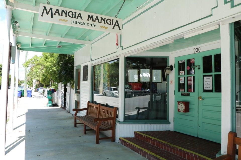 多户住宅 为 销售 在 900 Southard Street Key West, 佛罗里达州 33040 美国